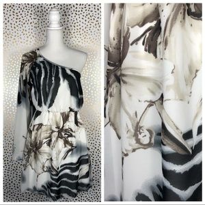 5/$25☀️Ruby Rox Floral Animal One Shoulder Dress